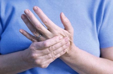 bệnh nhức mỏi chân tay hiện thường gặp ở độ tuổi lao động