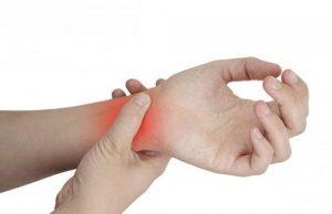 Mách bạn những mẹo nhỏ điều trị nhức mỏi tê bì chân tay tại nhà