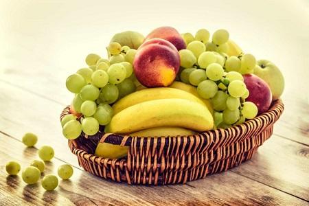 Ăn nhiều trái cây và rau xanh để cung cấp chất xơ, giảm cơn thèm ăn hiệu quả cho giảm cân