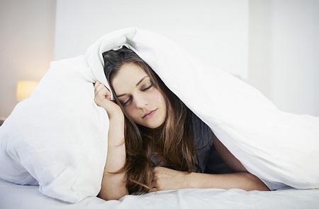 Việc sử dụng các chất kích thích gây ra chứng mất ngủ cho giới trẻ