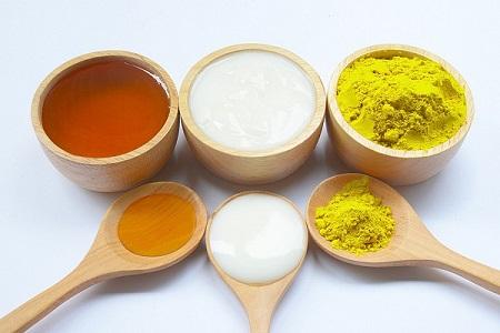 Hỗn hợp tinh bột nghệ và mật ong có tác dụng làm giảm nồng độ cholesterol cao
