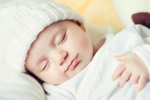 Mách các mẹ cách trị trẻ sơ sinh khóc đêm