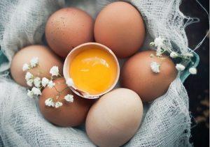 Những thắc mắc: Đắp mặt nạ trứng gà hàng ngày có tốt không?