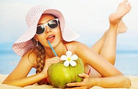 Nước dừa là lựa chọn tuyệt vời nếu bạn đang có ý định giảm cân hoặc giữ vóc dáng
