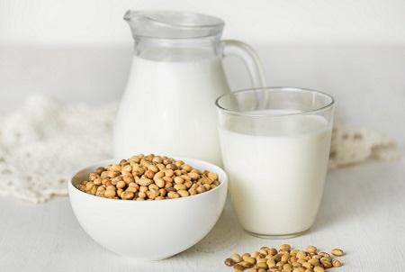 Mỗi người chỉ uống tối đa 500ml sữa đầu nành 1 lần/ngày