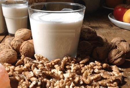 chứa rất nhiều các loại vitamin, khoáng chất và axit béo cần thiết.