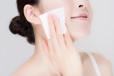 Sử dụng toner sau bước rửa mặt là vô cùng quan trọng