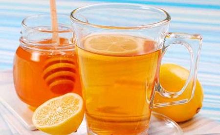 Mật ong giàu vitamin, dưỡng chất nhưng không có nghĩa bạn quá lạm dụng mật ong trong cuộc sống hằng ngày