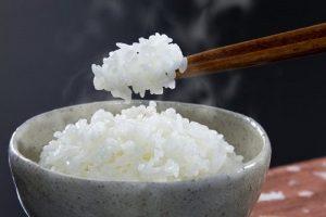 Bạn có biết 1 bát cơm chứa bao nhiêu calo?
