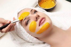 Làm đẹp bằng cách đắp mặt nạ bột nghệ với trứng gà