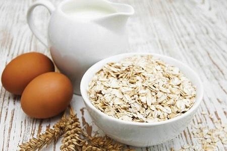 Yến mạch ngoài là nguồn thực phẩm thơm ngon bổ dưỡng, còn là một nguyên liệu làm đẹp từ thiên nhiên vô cùng hữu ích