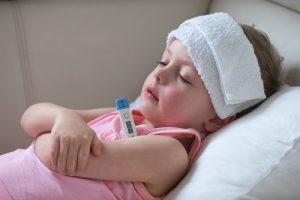 Trẻ sốt bao nhiêu độ thì uống thuốc hạ sốt và những điều các mẹ cần lưu ý