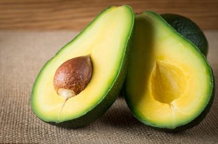 Bơ là loại trái cây chứa nhiều lượng protein và rất dễ tiêu hóa.